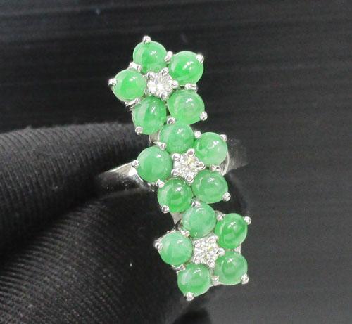 แหวน หยก กระจุกดอกไม้ 3 ดอก ฝังเพชร 3 เม็ด 0.21 กะรัต ทอง18K งานสวยมาก นน. 7.53 g