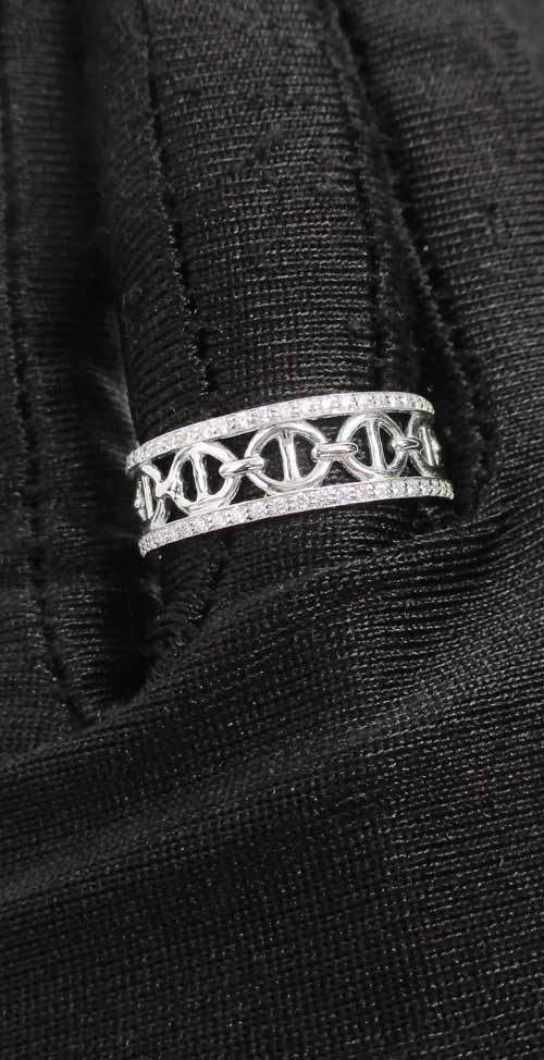 แหวน เพชรฉลุลาย รอบวง เพชร 108 เม็ด 0.33 กะรัต ทอง18K งานสวยมาก นน. 3.23 g 3