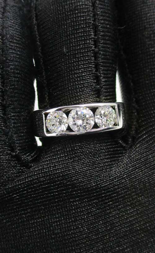 แหวน แหวน เพชรแถว ฝังสอด เพชร 3 เม็ด 1.30 กะรัต ทอง90 งานสวยมาก นน. 6.45 g 4