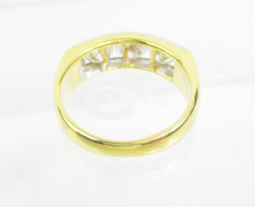 แหวน แหวน เพชรแถว ฝังสอด เพชร 3 เม็ด 1.30 กะรัต ทอง90 งานสวยมาก นน. 6.45 g 2
