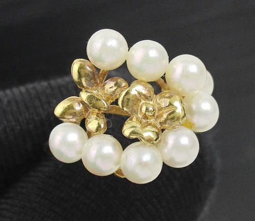 แหวน มุก สีขาว กระจุกดอกไม้ ทอง18K งานสวยมาก นน. 3.01 g