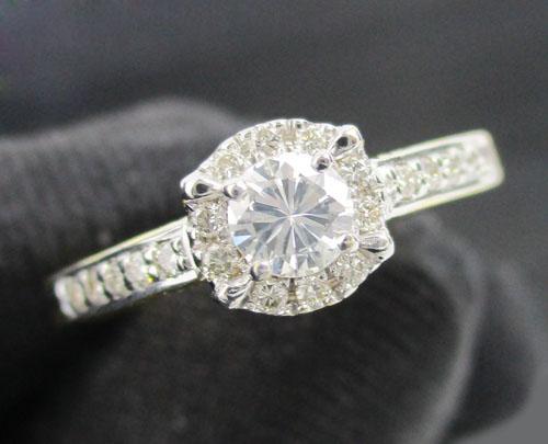 แหวน เพชรเดี่ยวชู 0.22 กะรัต ล้อมเพชร 20 เม็ด 0.15 กะรัต ทอง18K งานสวยมาก นน. 3.30 g