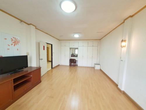 บ้านเช่าเจริญกรุง/บ้านเช่าเจริญกรุง107 ราคาถูก ทาวน์เฮาส์ 4 ห้องนอน ทำเลดีใกล้สี่แยกถนนตก ใกล้ BTS 2