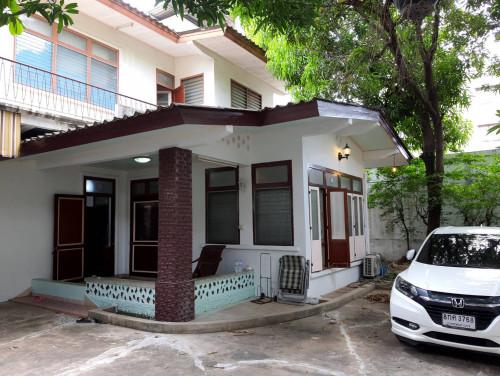 บ้านเช่าถนนจันทน์ / บ้านเดี่ยวหลังใหญ่ กว้างขวางให้เช่าไม่แพง เหมาะทำธุรกิจหรือเก็บสินค้า 2