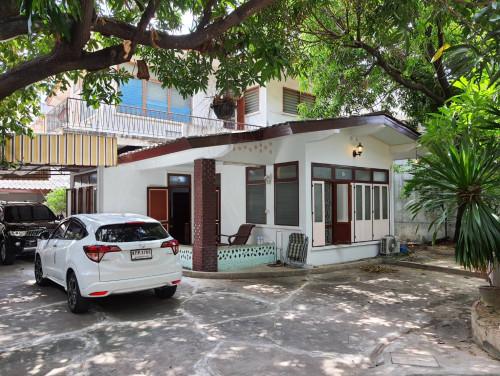 บ้านเช่าถนนจันทน์ / บ้านเดี่ยวหลังใหญ่ กว้างขวางให้เช่าไม่แพง เหมาะทำธุรกิจหรือเก็บสินค้า