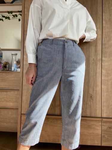กางเกง5ส่วนเอวขอบหน้ายางหลัง กระเป๋าคู่หน้า ผ้า100% ค้อตต้อนริ้วเทา AP-18079 Ankle Pant