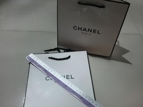 ถุงกระดาษลายแบรนด์  chanel ใบขนาด 9 นิ้ว ใส่เครื่องสำอางค์ใส่ของขวัญสวยๆ 1