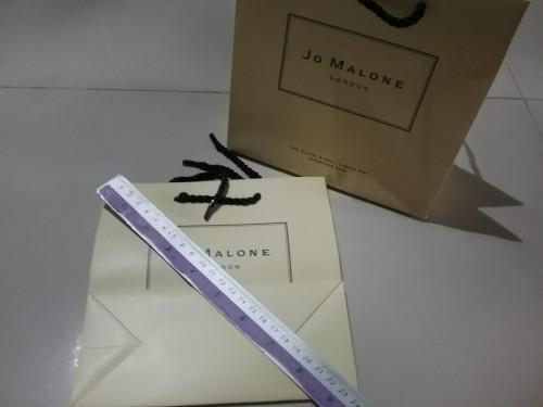 ถุงกระดาษลายแบรนด์ Jo malone ขนาดใบ 9 นิ้ว ใส่เครื่องสำอางค์ใส่ของขวัญสวยๆ
