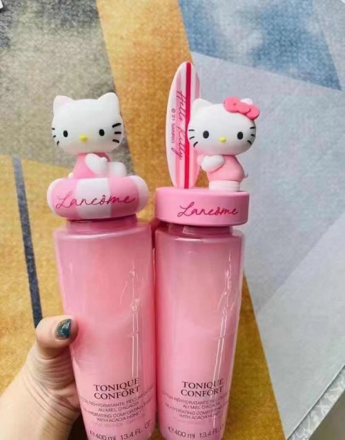 Lancome Tonique Confort x Hello Kitty  โทนเนอร์ประบสภาพผิวหน้า ขนาด 400ml. มี 2 หัวให้เลือก 1