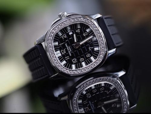 Patek Aquanaut 4961A สีดำ มาพร้อมใบการันตรี ภาพนี้ใช้เพื่อการโฆษณาเท่านั้น