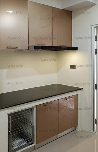 ชุดครัว Built-in ตู้ล่าง โครงซีเมนต์บอร์ด หน้าบาน Acrylic สีน้ำตาล
