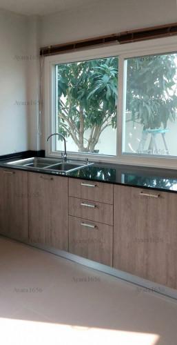ชุดครัว Built-in โครงซีเมนต์บอร์ด หน้าบาน Laminate สี Delano Oak - ม.ศุภาลัย วิลล์ 6