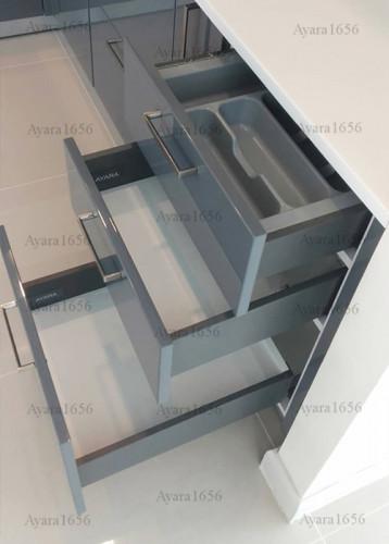 ชุดครัว Built-in โครงซีเมนต์บอร์ด หน้าบาน Hi Gloss สีเทาเงา - ม.ภัสสร 5