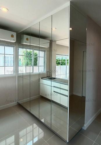 เคาน์เตอร์ + ตุ้สูง โครงซีเมนต์บอร์ด หน้าบาน Hi Gloss สีขาว + หน้าบานกระจกเงา 1