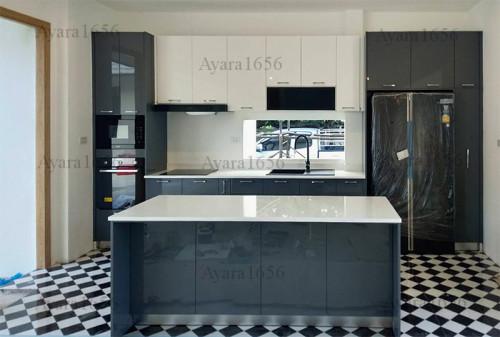 ชุดครัว Built-in โครง HMR หน้าบาน Hi Gloss สีเทาเงา + ขาวเงา