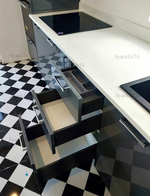 ชุดครัว Built-in โครง HMR หน้าบาน Hi Gloss สีเทาเงา + ขาวเงา 5
