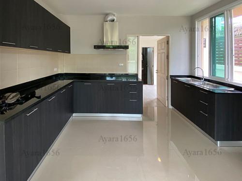 ชุดครัว Built-in โครงซีเมนต์บอร์ด หน้าบาน Laminate สี Blacken Legno