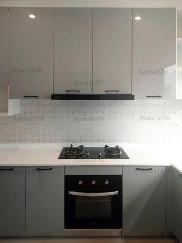 ชุดครัว Built-in โครงซีเมนต์บอร์ด หน้าบาน Hi Gloss สีเทาเงา 1