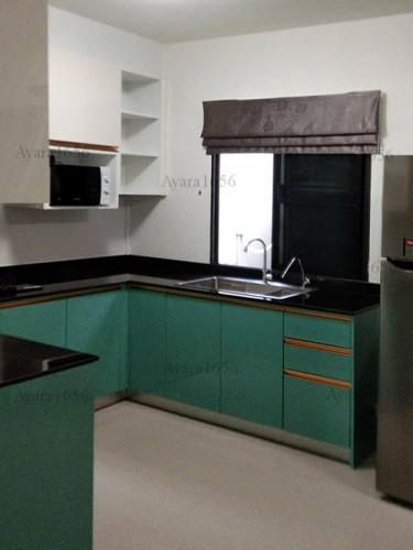 ชุดครัว Built-in โครงซีเมนต์บอร์ด หน้าบาน Hi Gloss สีเขียวเงา + สีครีมเงา Ivory 2