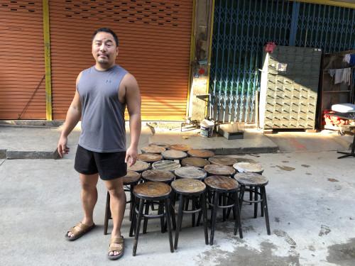 เก้าอี้กาแฟหัวโล้น ปี 1960 29.5*29.5*49 ซม. 3