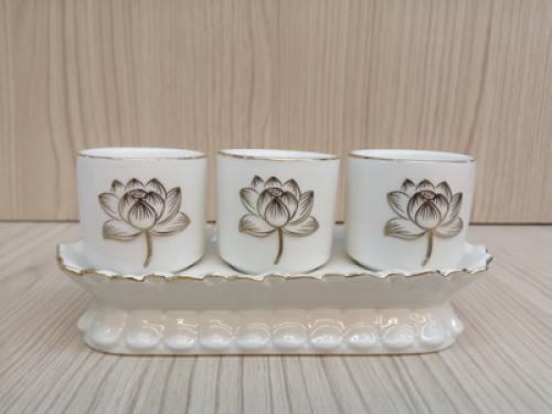 ชุดน้ำชา 3 ใบ สีขาว ลายบัวนูน