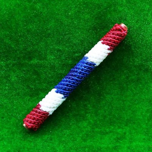 สุดยอดตะกรุดพระนเรศวรชนะศึก จารมือ เนื้อทองฝาบาตรถักเชือกลายธงชาติ รุ่นแรก รุ่นผู้ชนะที่หนึ่ง 1