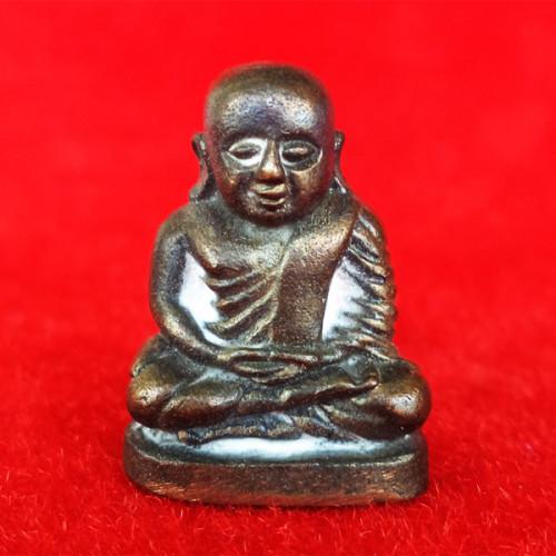 รูปหล่อหลวงพ่อเงิน รุ่นมงคลเกษม 60 พรรษา เนื้อนวโลหะ พิมพ์ใหญ่ หลวงพ่อเกษม เขมโก อธิษฐานจิต ปี 2536
