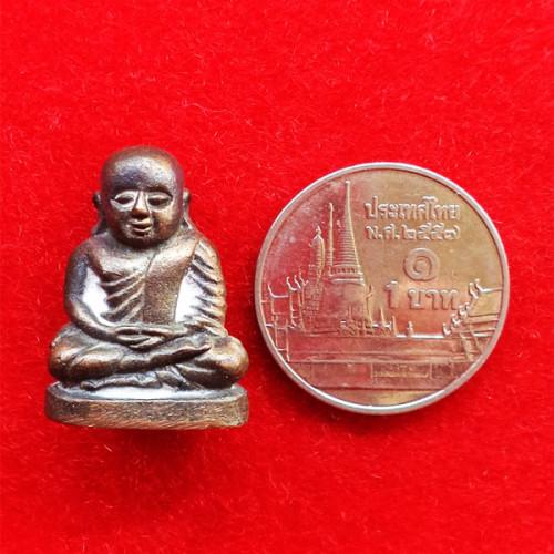 รูปหล่อหลวงพ่อเงิน รุ่นมงคลเกษม 60 พรรษา เนื้อนวโลหะ พิมพ์ใหญ่ หลวงพ่อเกษม เขมโก อธิษฐานจิต ปี 2536 3