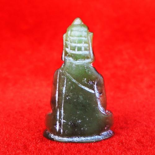 พระหินหยกแกะ พิมพ์พระพุทธ วัดธรรมมงคล สร้างโดยพระอาจารย์วิริยังค์ ปี 2536 สวยหายาก องค์ 28 1