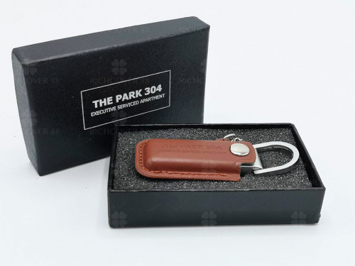 แฟลชไดร์ฟหนัง Leather Flash Drive พร้อมกล่อง