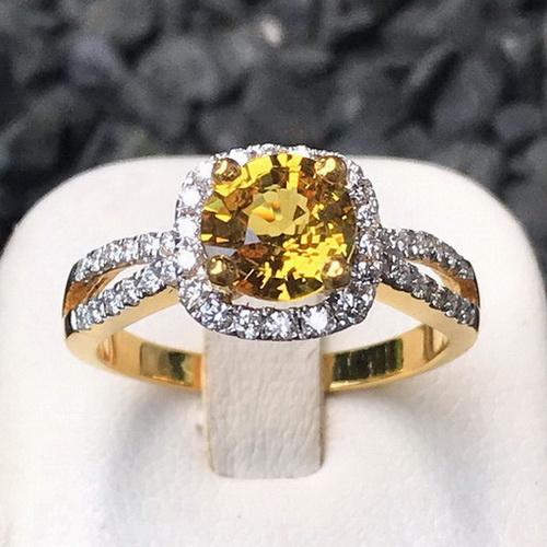 แหวนพลอยบุษราคัมแท้ล้อมเพชร