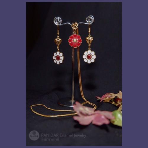 SET A สร้อยคอดอกไม้แดง + ตุ้มหู ดอกไม้ขาว