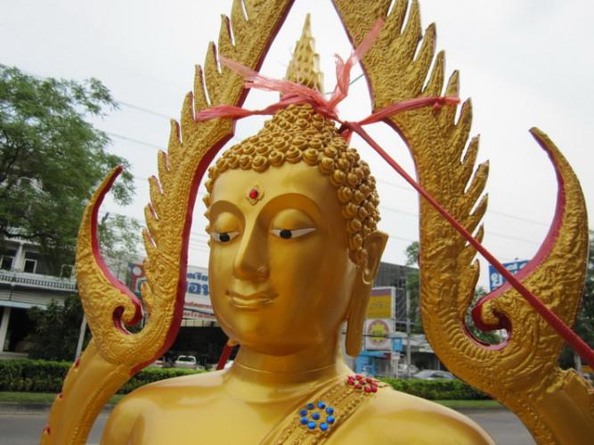พระพุทธชินราช พระพุทธรูป  ขนาดหน้าตัก 40 นิ้ว  มีงานหลายเกรด  ( ทองเหลืองแท้ / อัลลอยด์ / ไฟเบอร์ ) 2