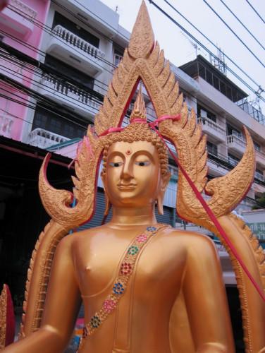 พระพุทธชินราช พระพุทธรูป  ขนาดหน้าตัก 40 นิ้ว  มีงานหลายเกรด  ( ทองเหลืองแท้ / อัลลอยด์ / ไฟเบอร์ ) 3