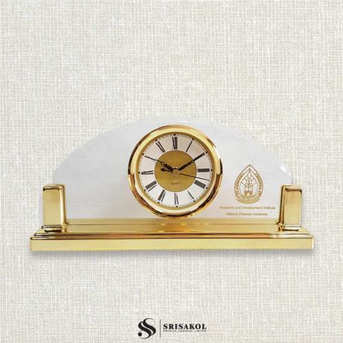 นาฬิกาตั้งโต๊ะ เรือนใสโค้ง ฐานสีทอง รหัส A2104-18C