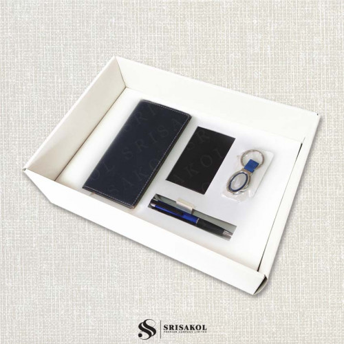 ชุดสมุด A8 แบบ Note+ปากกา 4in1+ตลับนามบัตรโลหะ+พวงกุญแจโลหะ พร้อมกล่องฝาทึบ รหัส A2121-8SU