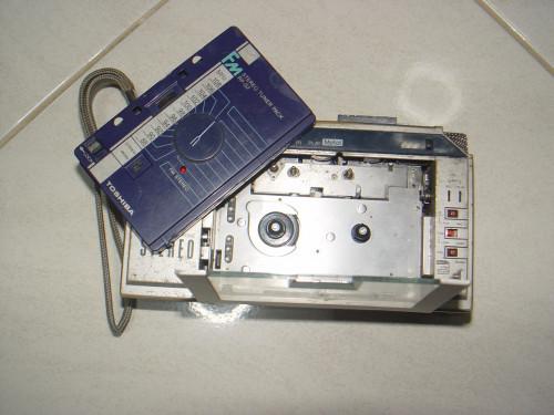 ซาวเบ้าท์ TOSHIBA Stereo Cassette KT-R1 แยกชุดวิทยุได้ เหมาะสะสม 2