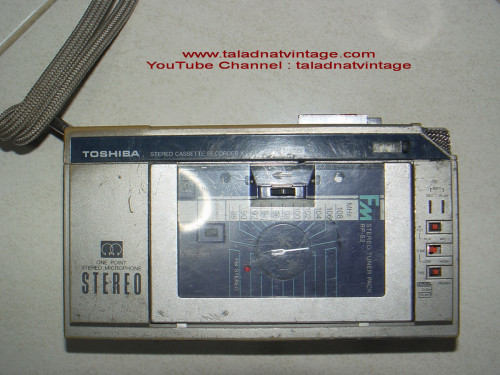 ซาวเบ้าท์ TOSHIBA Stereo Cassette KT-R1 แยกชุดวิทยุได้ เหมาะสะสม