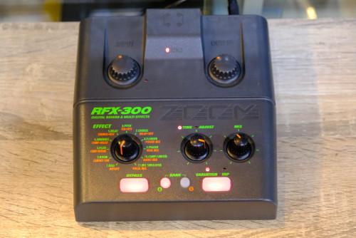 เอฟเฟคไมค์ ZOOM RFX-300 (MADE IN JAPAN) มัลติเอฟเฟคขนาดกระทัดรัด ใช้ได้ทั้งไมค์ร้องและเครื่องดนตรี ข
