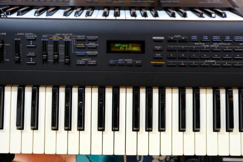 Roland JV-50 (MADE IN JAPAN) 61คีย์ซินธิไซเซ่อร์ 482เสียง 18ดรัมเซ็ต FDDมิดี้ในตัว ต่อคอมGM/GSคาราโอ 3
