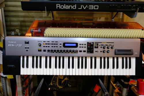 Roland RS-70 (MADE IN JAPAN) รุ่นอัพเกรดของ RS-5 และ RS-50 ตัวนี้เสียงหนาอ้วนที่สุดของตระกูล RS