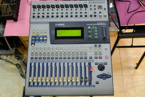 YAMAHA O1V Digital Mixer (MADE IN JAPAN) พร้อมฮาร์ดเคสJAPANตัวเดียวจบ อีคิว คอมพ์เอฟเฟคในตัว เสียงดี 1