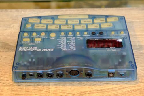 ZOOM RT-123 ฺBlue สีฟ้าLimitted ริทึ่มบอกซ์กลองไฟฟ้า เสียงกลองดีมาก เคาะแทนกลองจริง ตลกตีมุข โฟล๊คเล 1