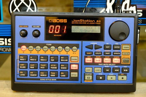 Roland JS-5 (MADE IN JAPAN) เครื่องแบคกิ้งแบบ4แทร็ค เซฟได้100เพลง แุถมเมม 16MB พร้อมอะแด๊ปเตอร์และคู
