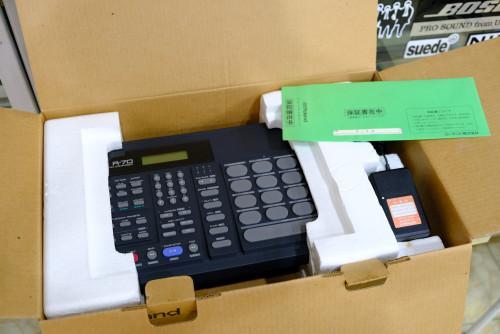 ใหม่เอี่ยม พร้อมกล่อง Roland R-70 (MADE IN JAPAN) ตัวนี้ใหม่มาก ลงจังหวะไทยแล้ว อะแด๊ป คู่มือไทยครบ 6