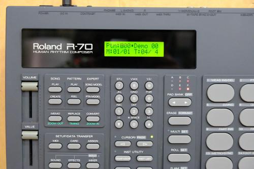 ใหม่เอี่ยม พร้อมกล่อง Roland R-70 (MADE IN JAPAN) ตัวนี้ใหม่มาก ลงจังหวะไทยแล้ว อะแด๊ป คู่มือไทยครบ 5
