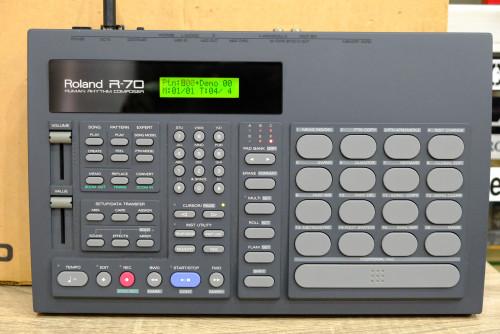 ใหม่เอี่ยม พร้อมกล่อง Roland R-70 (MADE IN JAPAN) ตัวนี้ใหม่มาก ลงจังหวะไทยแล้ว อะแด๊ป คู่มือไทยครบ