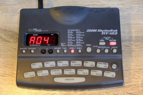 ZOOM RT-123 ฺBlack สำดำOriginal ริทึ่มบอกซ์กลองไฟฟ้า เสียงกลองดีมาก เคาะแทนกลองจริง ตลกตีมุข โฟล๊คเล