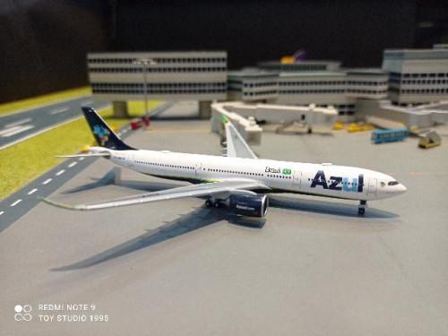 HW534987 1:500 Azul Brazilian A330-900neo PR-ANZ [Width 13 Length 12.5 Height 3 cms.] 1