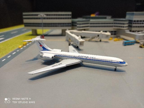 HW534130 1:500 Aeroflot Ilyushin IL-62M CCCP-86700 [Width 9.5 Length 10 Height 3 cms.] 1